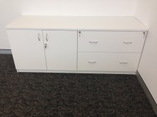 Special Credenza With 2 Hinged Doors And 2 Lateral File Units 1800 L X 600 W X 725 H