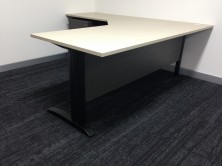 Workstation Sizes 1800 X 600 X 1800 X 600 : 1800 X 750 X 1800 X 750 : 1800 X 750 X 1800 X 600