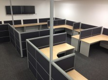 Screens And Workstations With Floor To Ceiling Power Pole
