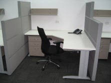1600 And 1200 H Screens. 90 Degree Truncated Corner Workstation With Metal C Legs
