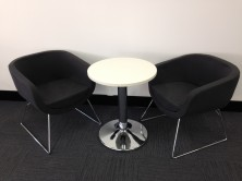 600 Dia Reception Table On Chrome Disc Base With Splash Cube Visitor Chairs